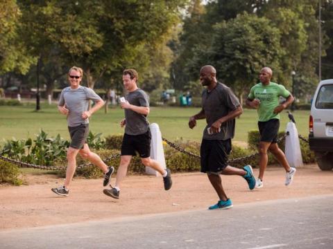 Mark Zuckerberg corre en Delhi, India