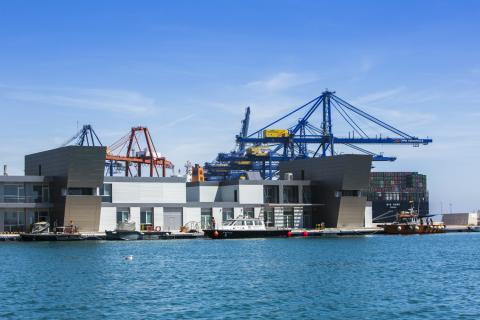 Terminal de puerto de Valencia.