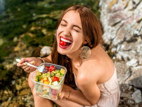 These 15 science-backed approaches to healthy eating have nothing to do with calories