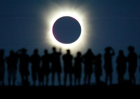 Un eclipse total solar [RE]