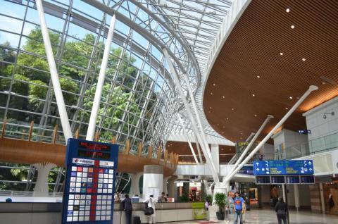 5. Kuala Lumpur International Airport (Malaysia) — Jungle boardwalk