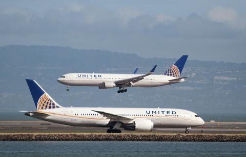 Aviones de United Airlines en el aeropuerto Internacional de San Francisco, California, EEUU, el 7 de febrero de 2015.