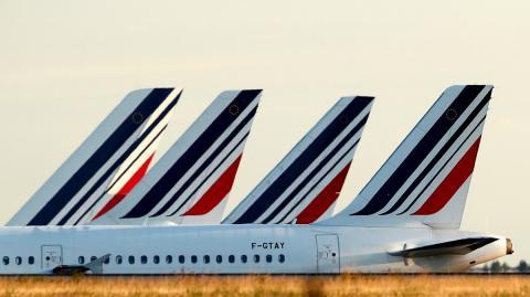 Colas de aviones de Air France, en el aeropuerto Charles de Gaulle de Roissy, cerca de París, Francia, el 26 de agosto de 2018.
