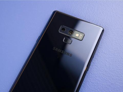 The design feels stale, but there are a few things I love about the look and feel of the Galaxy Note 9.