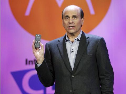"Ed Zander, Motorola CEO at the time, was asked how he planned to deal with the iPhone. His reply: ""How do they deal with us?"""