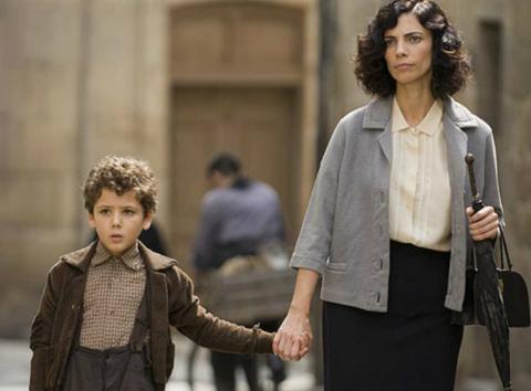 Fotograma de la película Los Girasoles Ciegos.