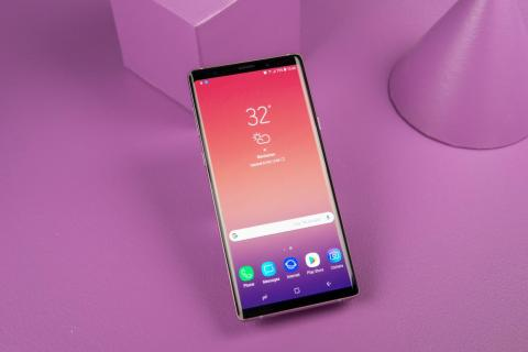 6. The Galaxy Note 9 comes with a newer version of Android than the Galaxy S9.