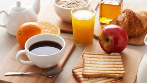 Tomar desayuno