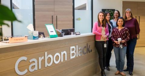 Trabajadoras de Carbon Black.