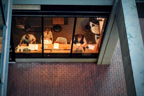 Trabajar desde una cafetería