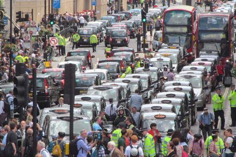 En Londres, los taxistas hicieron masivas manifestaciones contra Uber en 2014.