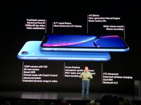 7. The iPhone XR has better battery life than the iPhone XS.