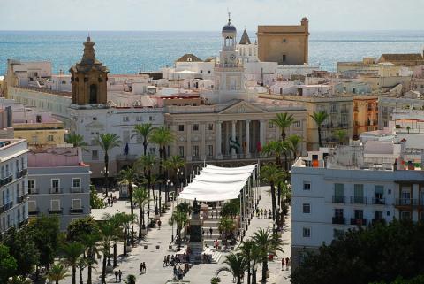 El ayuntamiento de Cádiz en la Plaza de San Juan de Dios