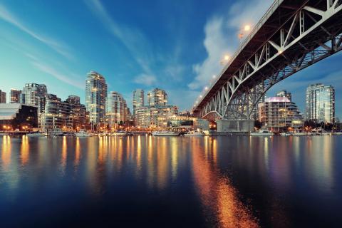 La ciudad canadiense de Vancouver, vista desde False Creek