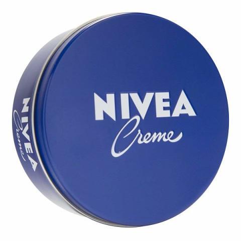 La clásica lata de crema hidratante Nivea