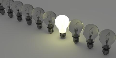 Tarifa regulada de luz vs. tarifa de luz libre con cuál ahorrarás más cada mes