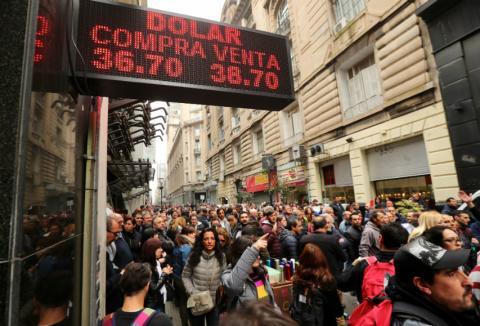 Crisis Argentina desplome peso
