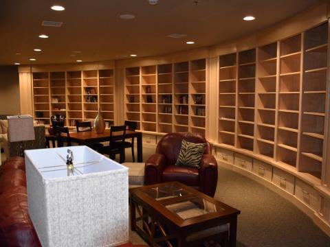 Cada piso abarca 1.820 pies cuadrados y puede acomodar de seis a 10 personas. Los compradores desembolsan 3 millones de dólares por uno, que incluye tres dormitorios, dos baños, una cocina, un comedor y un gran salón