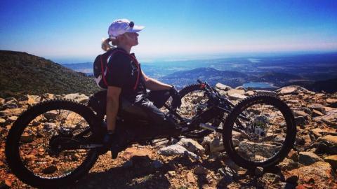 Gema Hassen-Bey, con su bicicleta adaptada
