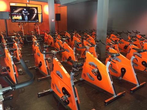 Las instalaciones de un gimnasio Basic-Fit en Móstoles
