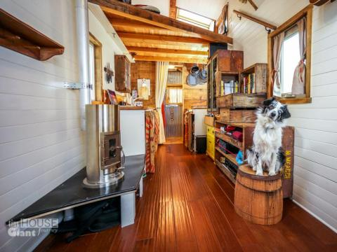 It can be easy and fast to clean a tiny house...