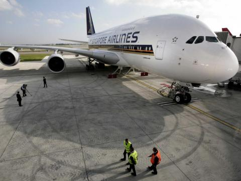 On October 15, 2007, Singapore Airlines took delivery of the first production A380.