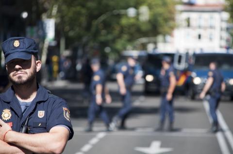 Un policía nacional en una manifestación en Madrid el 15 de septiembre de 2012.