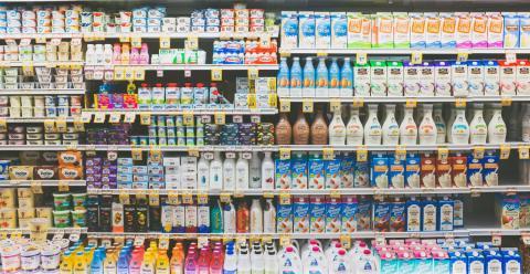 Productos lácteos en el supermercado
