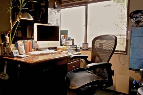 Una buena silla de escritorio ayuda a trabajar cómodamente