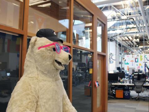 """Este es Needy, la mascota oso polar del equipo de desarrollo de Facebook, a petición de uno de los ingenieros, ya que es su """"animal favorito""""."""