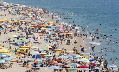 Researchers who followed a group of 749 women from Massachusetts for two decades found that those who went on vacation less than once every six years were nearly eight times more likely to develop heart problems than women who