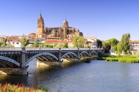 El río Tormes, a su paso por Salamanca (Castilla y León)
