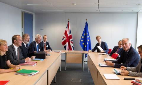 El secretario británico para el Brexit, Dominic Raab, y el jefe negociador comunitario, Michel Barnier, en su reunión del 6 de septiembre en Bruselas