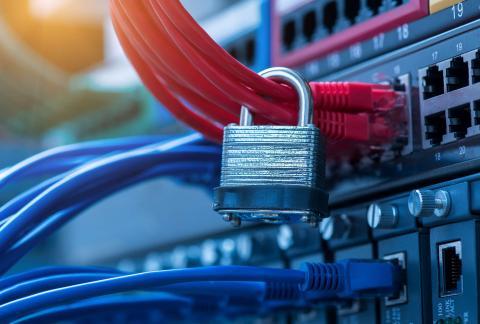 Seguridad informática antivirus firewall