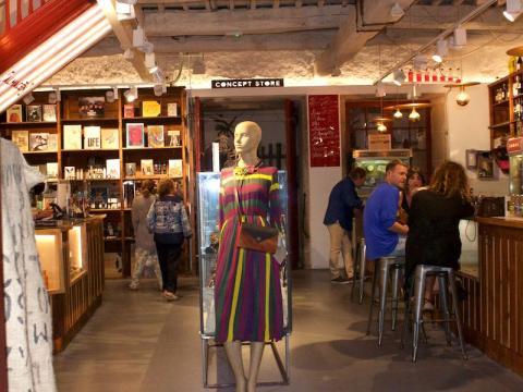 Almacen concept store on Calle de Estrella.