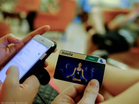 Una tarjeta Nauta usada para conseguir internet en Cuba,