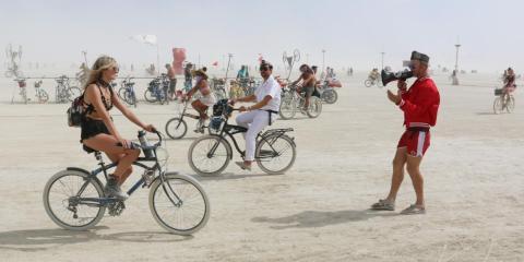 Así es visitar Burning Man, uno de los eventos más salvajes y surrealistas del mundo