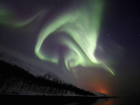 Vista de la Aurora Boreal cerca de Tromsø, Noruega.