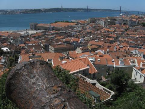 Vista del castillo de San Jorge en Lisboa, Portugal.