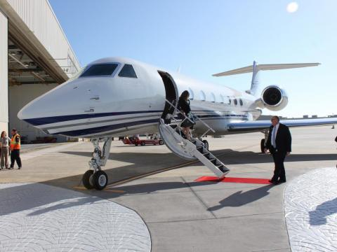 In 2016, Business Insider reporter Benjamin Zhang flew on a Gulfstream G550, the company's $61.5 former flagship model until the introduction of the larger $66.8 million G650 in 2012.