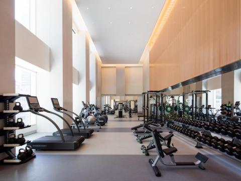 432 Park includes a fitness center — a standard amenity in luxury buildings.