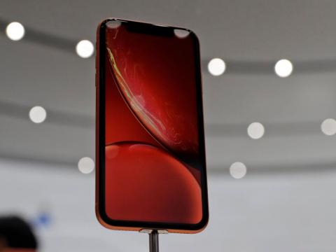 5. The iPhone XR doesn't have a headphone jack.