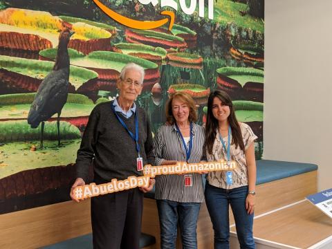 Abuelos de los trabajadores de Amazon