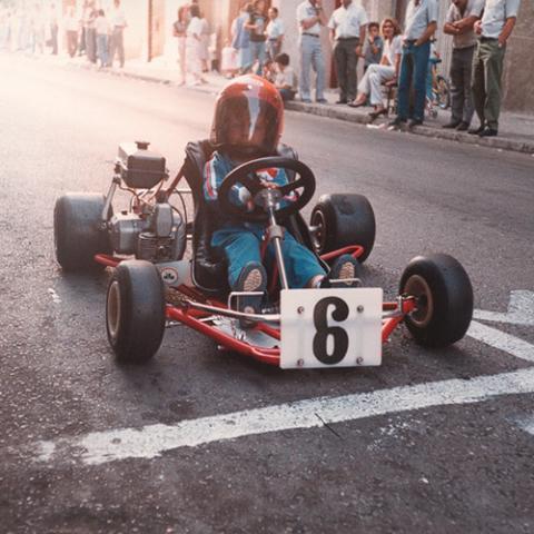 Alonso, con tres años montado en un kart