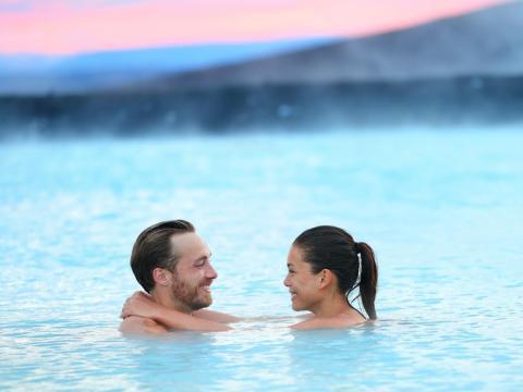 La Laguna Azul puede ser un destino romántico para parejas [RE]