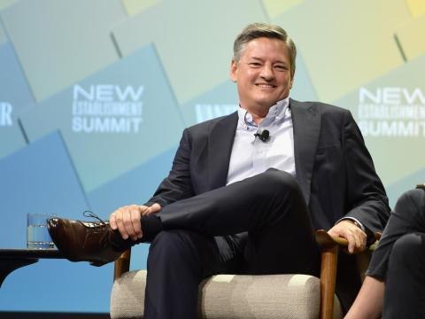 El director de contenido, Ted Sarandos, implementó una política de salario abierto en Netflix.