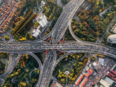 Un cruce en una autopista
