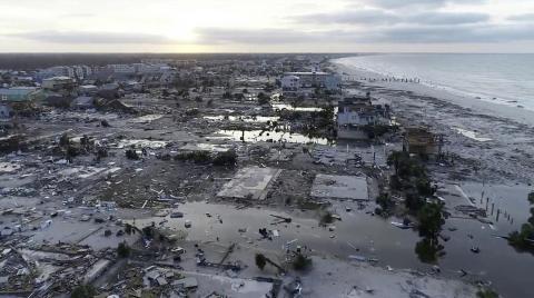 Daños del huracán Michael en México Beach, Florida, en octubre de 2018 [RE[