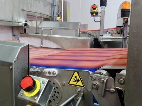 La fabricación de las hamburguesas es un proceso increíblemente rápido.
