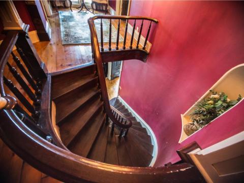 Al subir las escaleras encontrarás las habitaciones